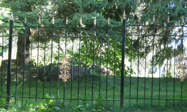 iron-art-fences-05.jpg