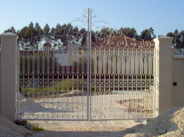 iron-art-gates-02.jpg
